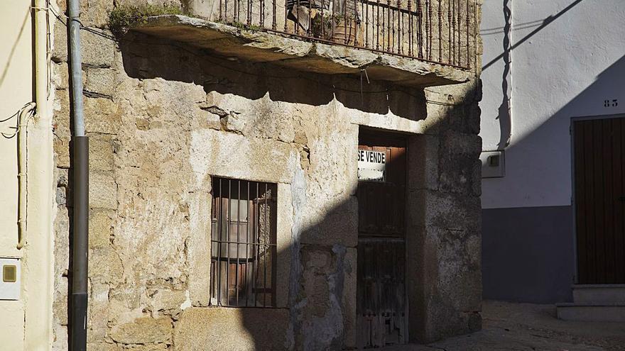 """El """"banco de viviendas"""" de Sayago: 43 casas vendidas este año en 14 pueblos"""