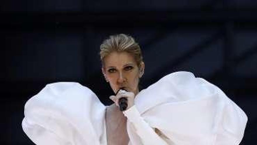 El homenaje de Céline Dion a 'Titanic' conmueve al público de los premios Billboard