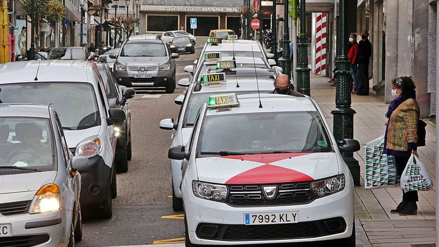 El COVID pincha el precio de las licencias de taxi