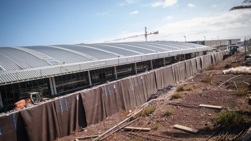 CC reclama consenso para exigir a AENA la nueva termina de Tenerife Sur