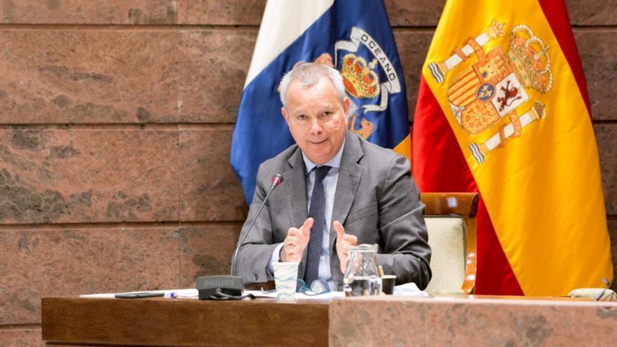 Coronavirus en Canarias |Sebastián Franquis informa sobre la ayuda para reactivar al transporte frente a la crisis sanitaria