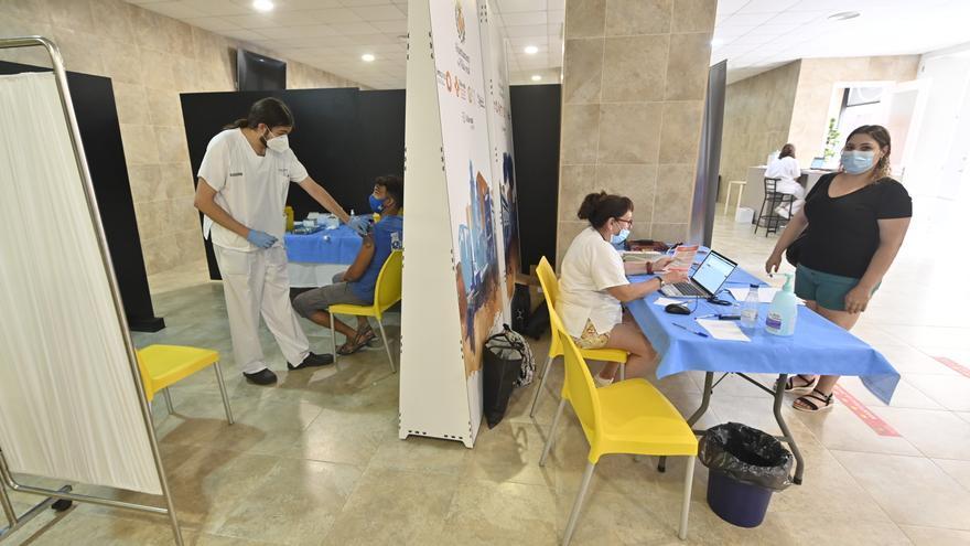 Vacunación sin cita previa el miércoles en La Cerámica antes del Villarreal-Elche