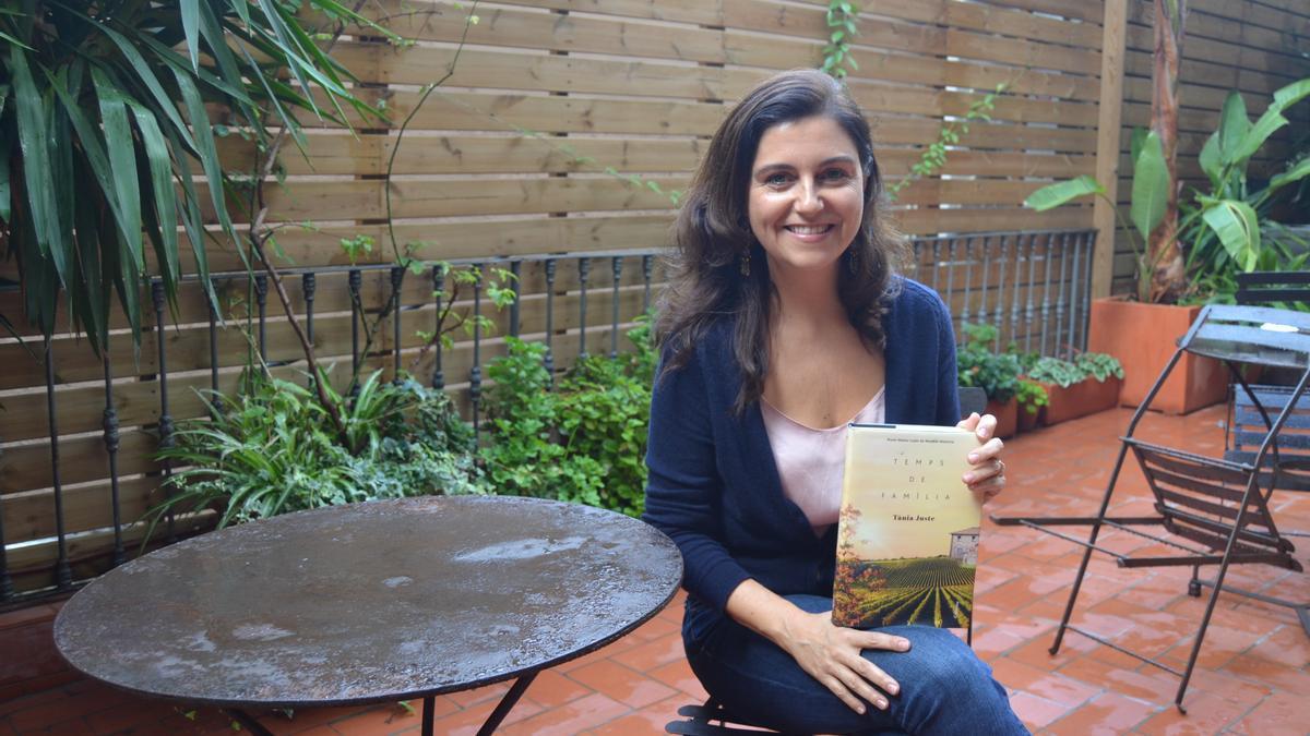 L'escriptora Tània Juste, també guanyadora del XIX Premi Nèstor Luján amb «Temps de família».