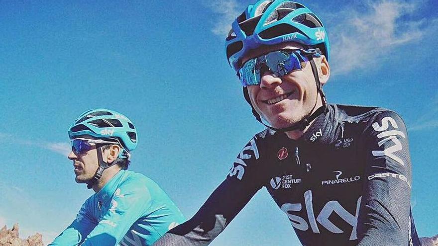 Chris Froome, entrenando en la carretera de acceso al Teide.