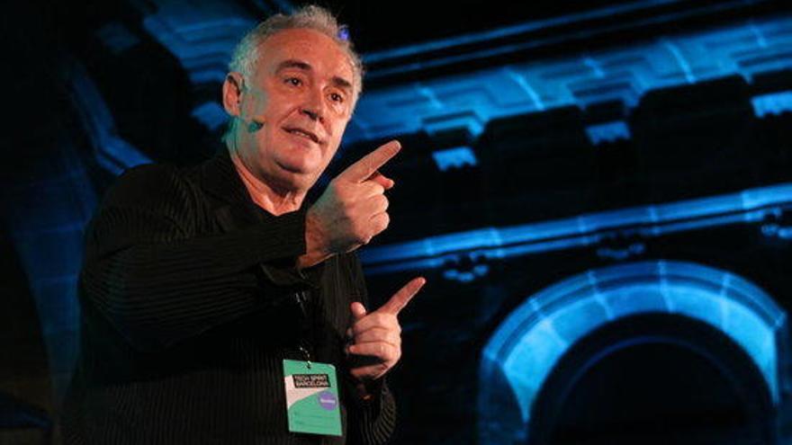 Ferran Adrià rep l'equip que treballarà en la primera convocatòria de 'elBulli1846'