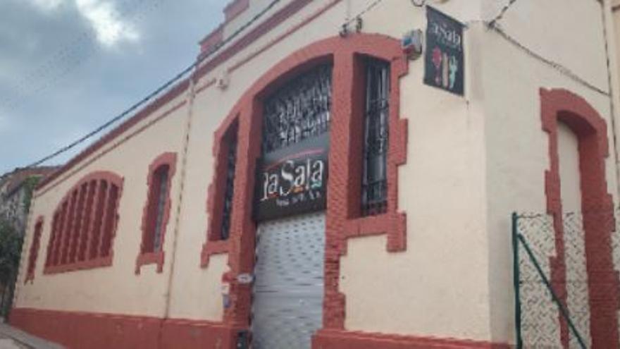 Adeqüen l'accés al centre cultural La Sala de Sant Salvador de Guardiola