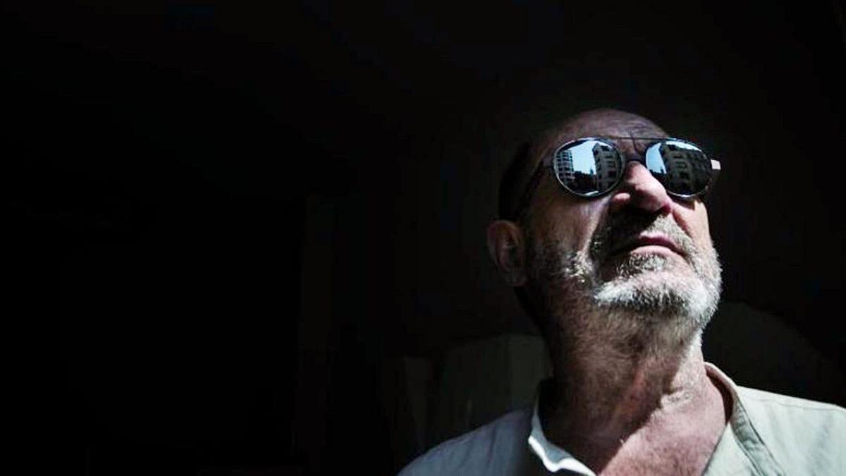 Una imagen de archivo reciente del escritor malagueño Juan Madrid.