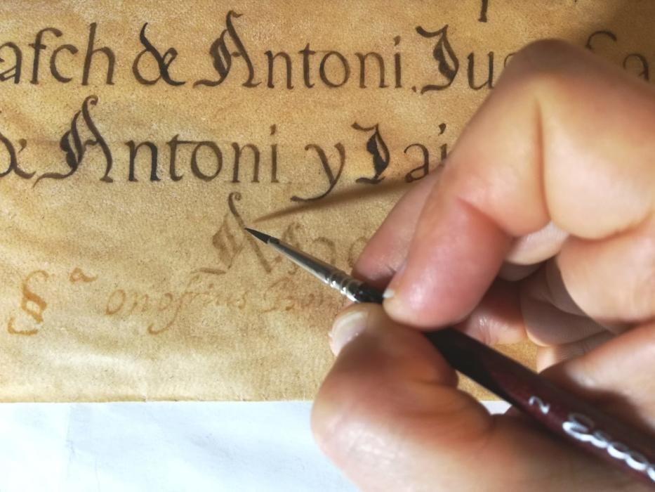 La institución insular aporta 5.000 euros a la restauración de los documentos del que fue el órgano de gobierno de las Pitiusas en la Edad Media