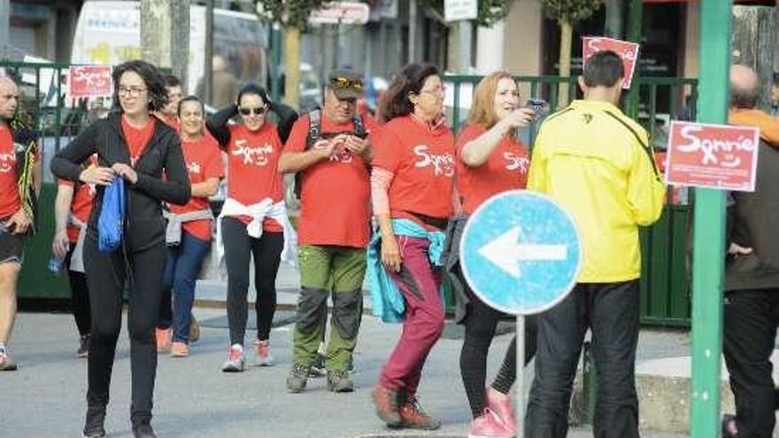 Unos 150 personas participaron en la andaina solidaria del tercer Memorial Yanín Búa en Caldas