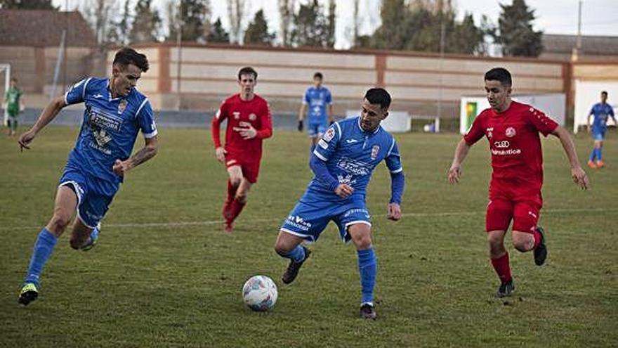 Juagada del encuentro disputado ayer en Villaralbo.