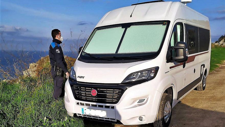 La Policía Local controla segundas residencias en el rural y caravanas para evitar la llegada de foráneos