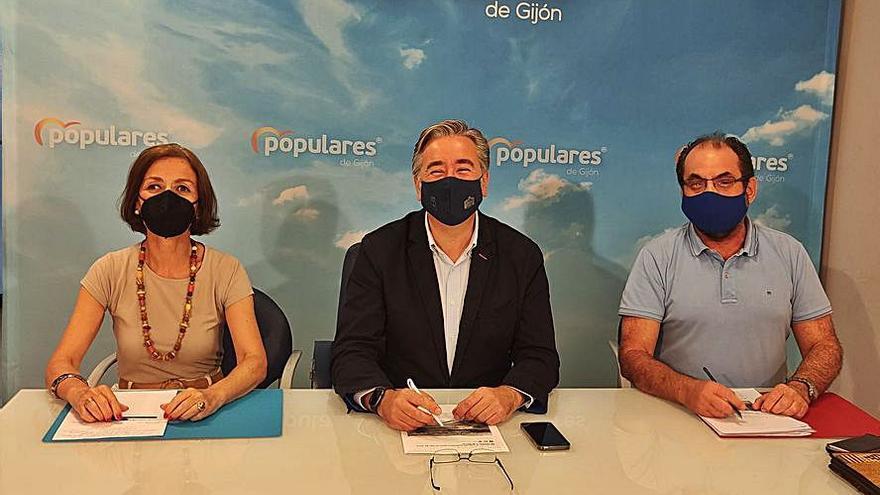 """El PP pone en marcha una comisión """"para aportar sentido común al plan de movilidad"""""""
