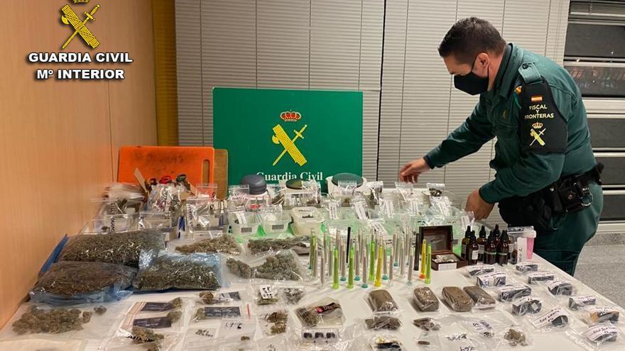 La Guardia Civil detiene a los responsables de una asociación cannábica de Vigo por tráfico de drogas