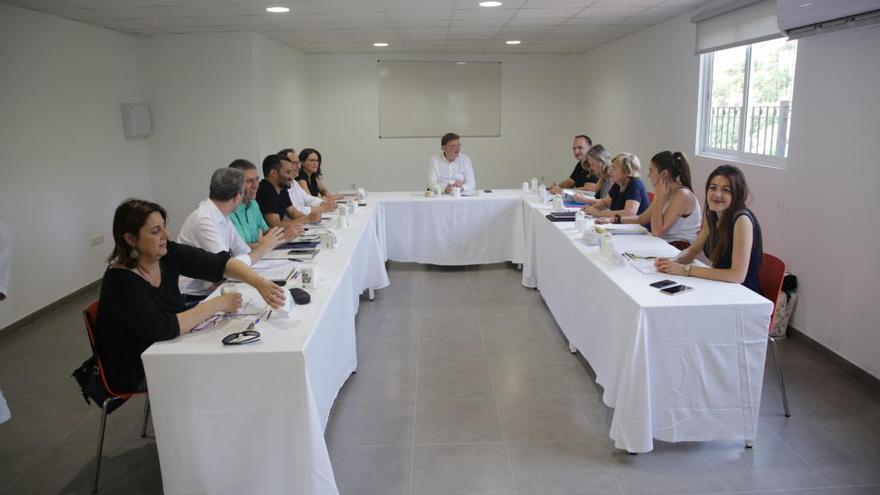 """Los """"síndics"""" de las Corts se unen al seminario"""