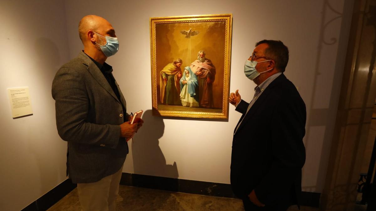Víctor Lucea e Isidro Aguilera con 'La Virgen con San Joaquín y Santa Ana'.