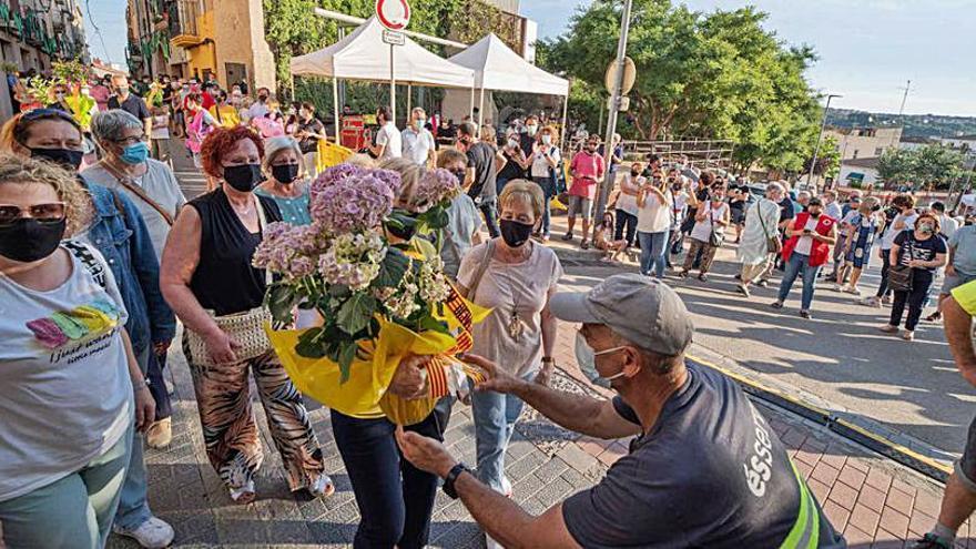 Olesa de Montserrat celebra una lluïda diada de Santa Oliva amb la tradicional ofrena floral