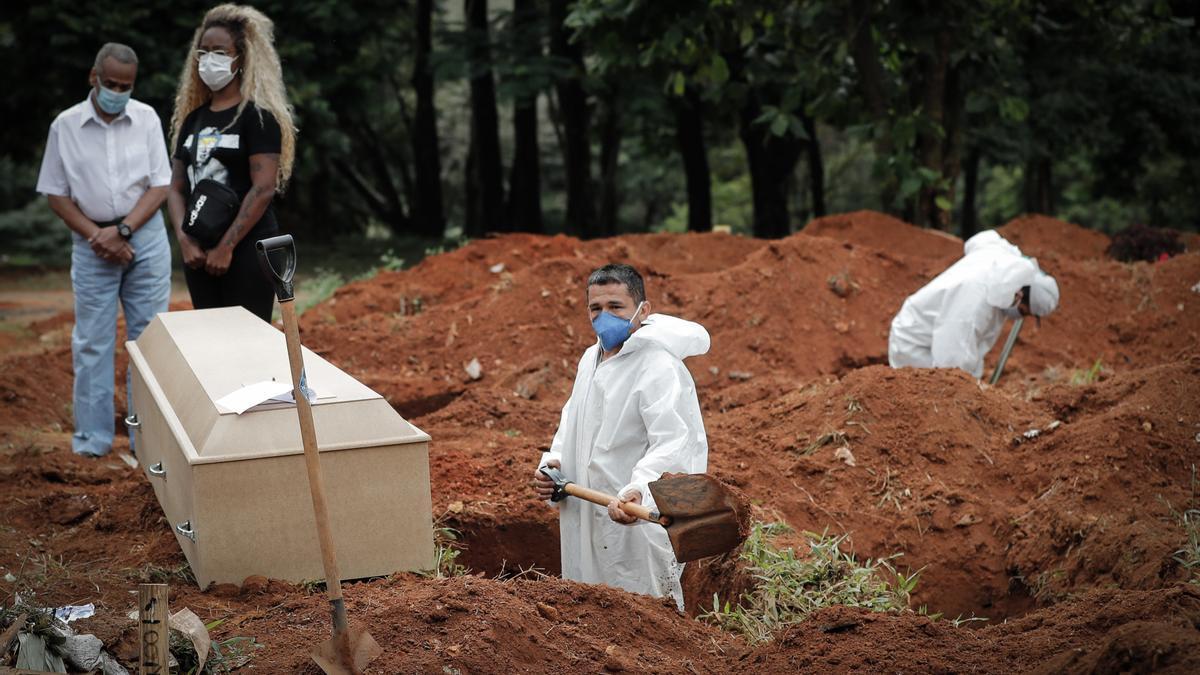 Más de 4,5 millones de muertos por Covid-19 en todo el mundo.