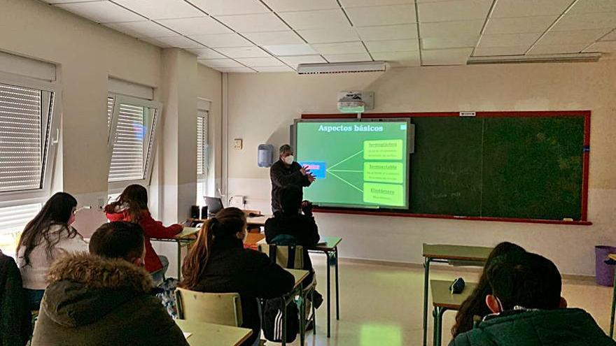 El IES de Poio acoge un taller sobre medioambiente