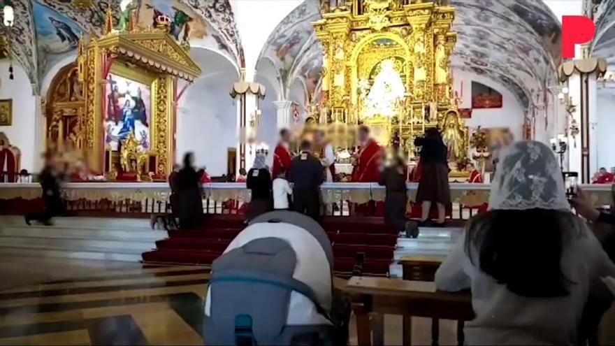 La misa sin control ni mascarillas que desató el covid en la Iglesia de El Palmar de Troya