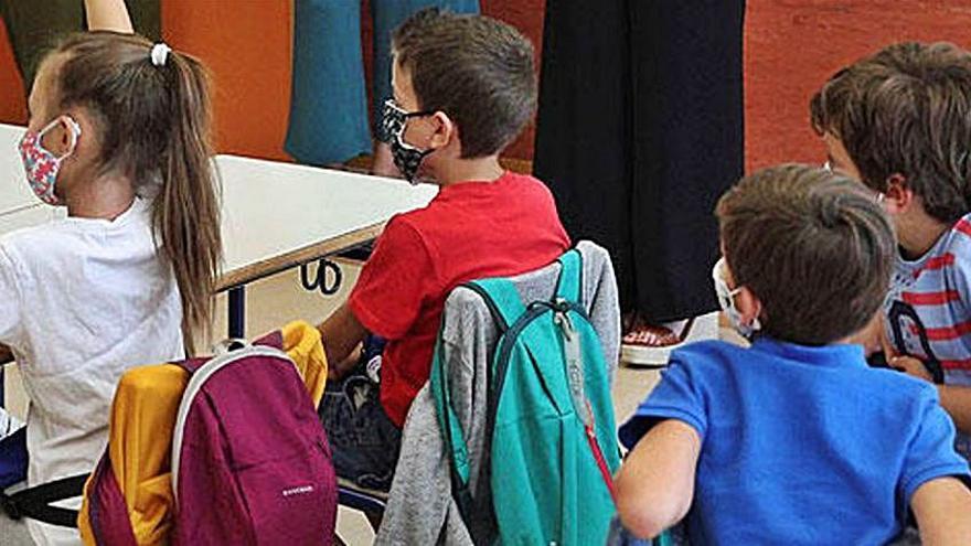 Los alumnos vuelven a las aulas en Galicia en pleno repunte de casos de COVID
