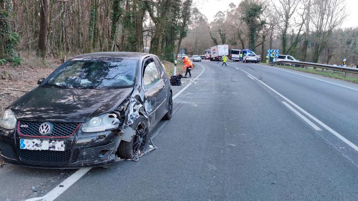 Estado en el que quedó uno de los vehículos implicados en el accidente. / Noé Parga