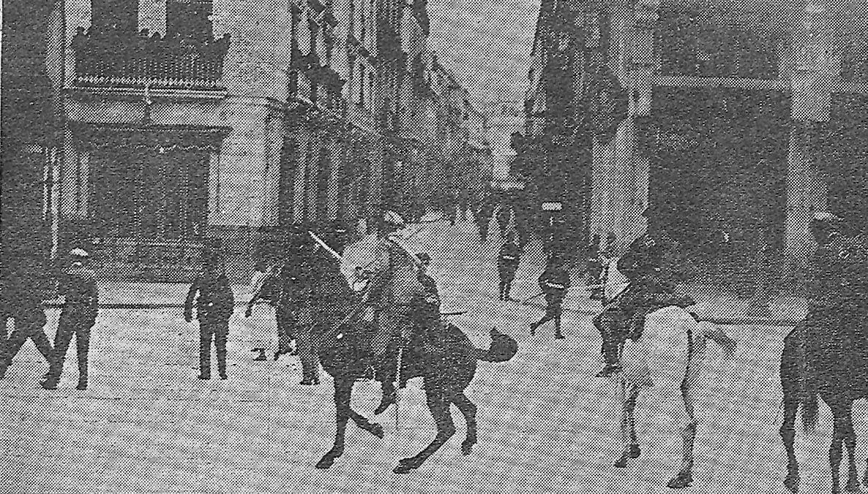 Disturbios en la plaza de las Tendillas el 14 de abril de 1931