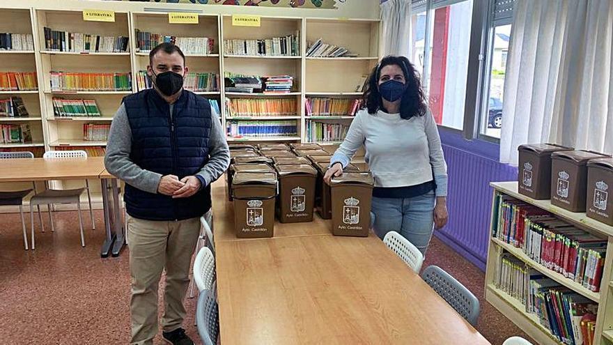 El colegio de Salinas coopera con el reciclado de materia orgánica