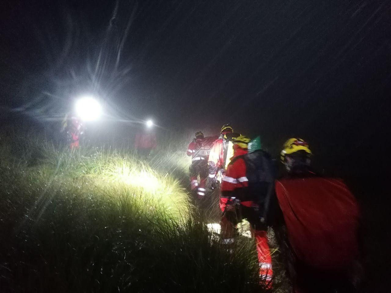 Rescatan a un excursionista con las piernas rotas tras caer de diez metros en Sóller