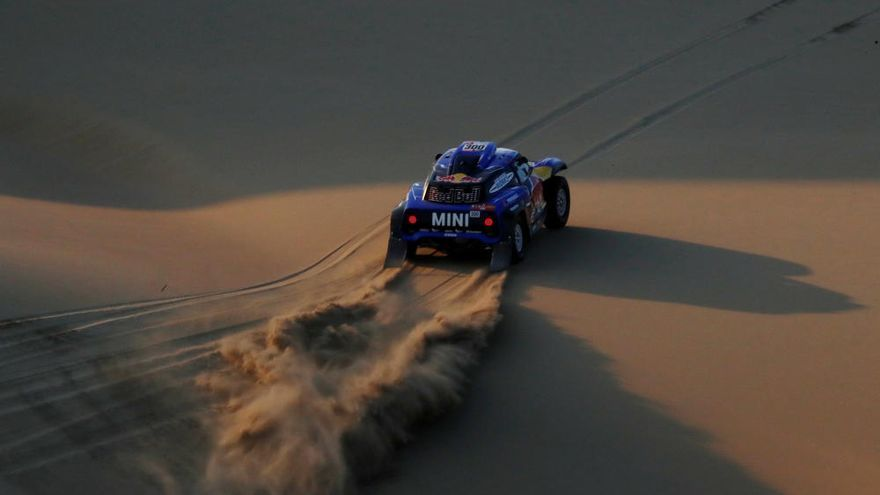 Loeb, por delante de 'Nani' Roma, gana la segunda etapa en coches