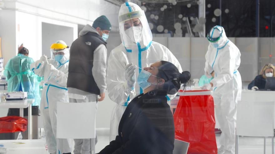 Fisterra, Laxe y Malpica duplican la incidencia de coronavirus de A Coruña y parte de su comarca