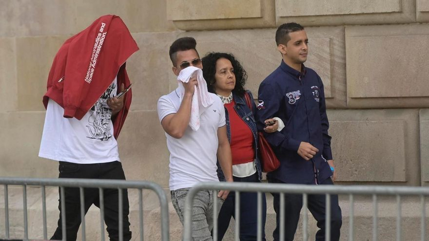 La fiscalía reclama el ingreso en prisión de 'La Manada de Manresa'