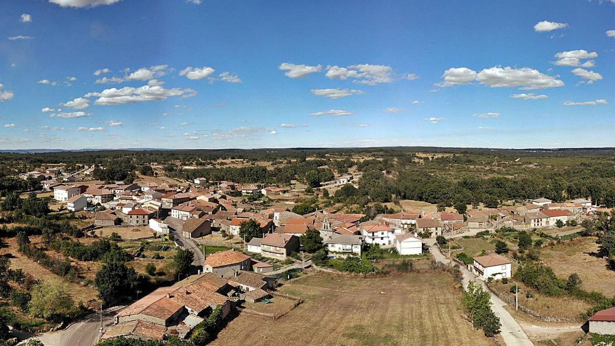 Vista aérea de Moveros, uno de los ocho pueblos del municipio de Fonfría. | Chany Sebastián
