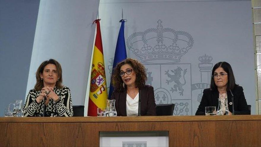 """María Jesús Montero: """"El pin parental no tiene nada que ver con la libertad"""""""