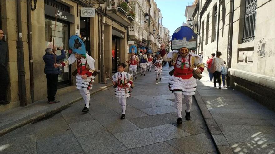El Entroido más tradicional llena Ourense de fiesta y color en mayo