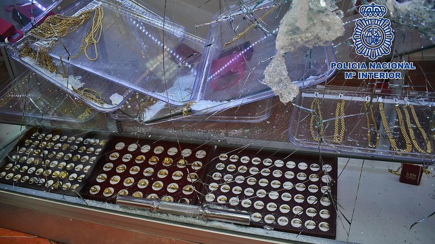 Detenido por atracar una joyería de la que se llevó 10.000 euros en mercancía
