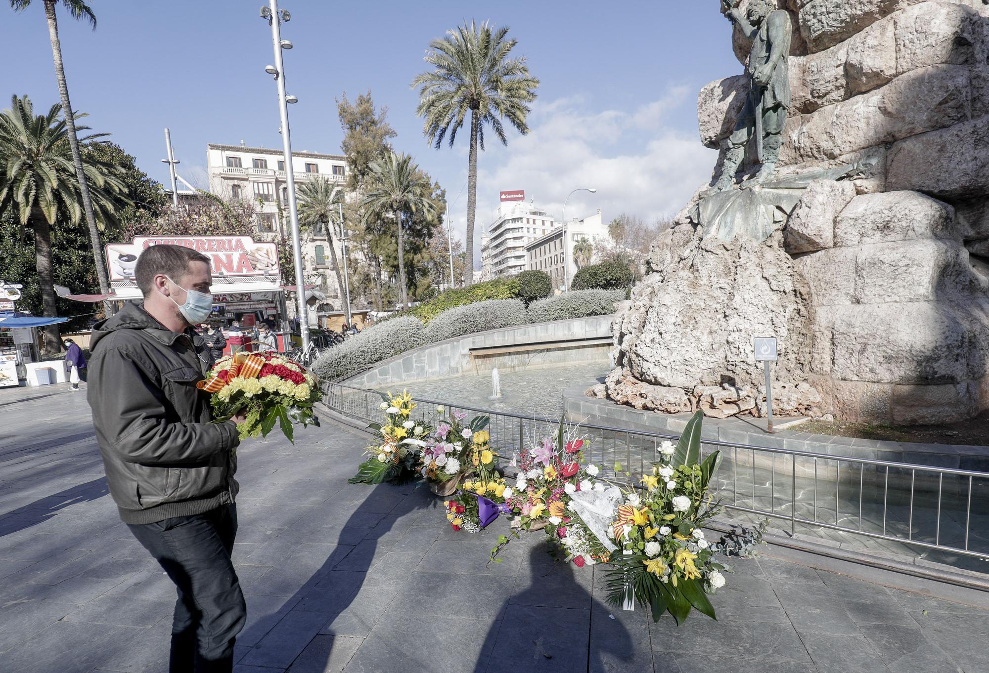 Ofrenda floral al Rei en Jaume con motivo de la Diada