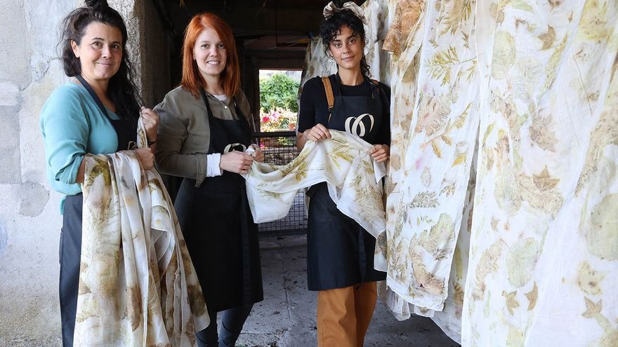 Antía Vargas, Uxía y Nuria Benlloch, artesanas de 'Las flores de Greta'