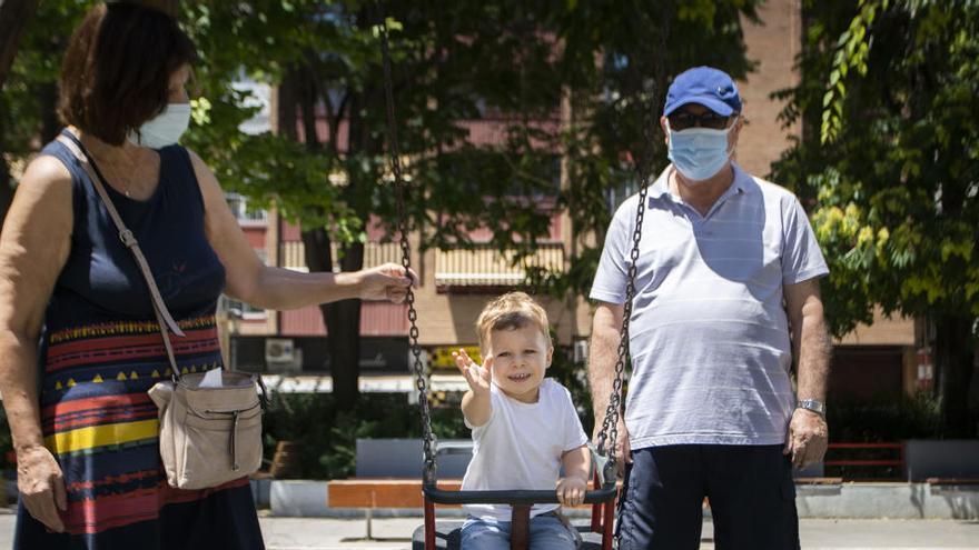 Consejos para que los niños disfruten con seguridad el verano del coronavirus