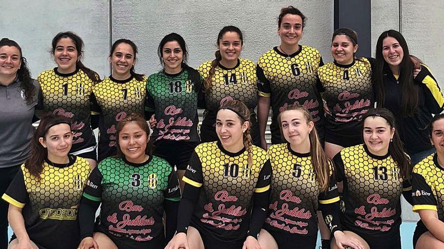 Voleibol-Real de Gandia CF Victoria estéril de los chicos y triunfo hacia el ascenso de las féminas