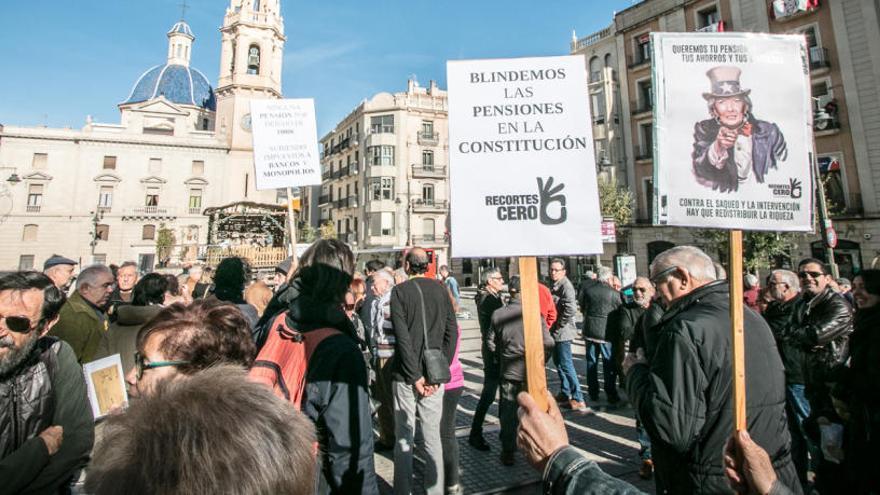 Protesta de los pensionistas en Alcoy.