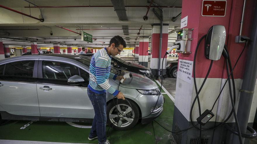 El Consell pone en marcha las nuevas ayudas a la compra de coches eléctricos de hasta 7.000 euros
