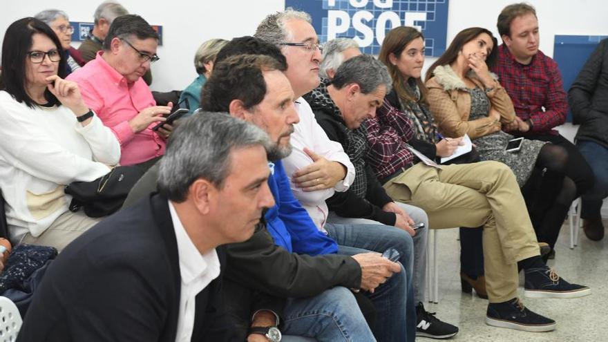 José Manuel García e Inés Rey se disputarán en la segunda vuelta el liderazgo del PSOE