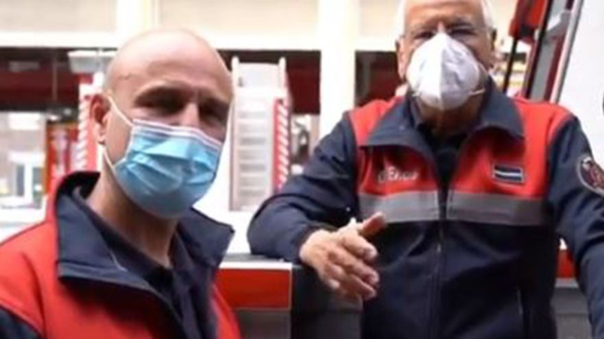 La emotiva historia de dos bomberos canarios en el Día del Padre