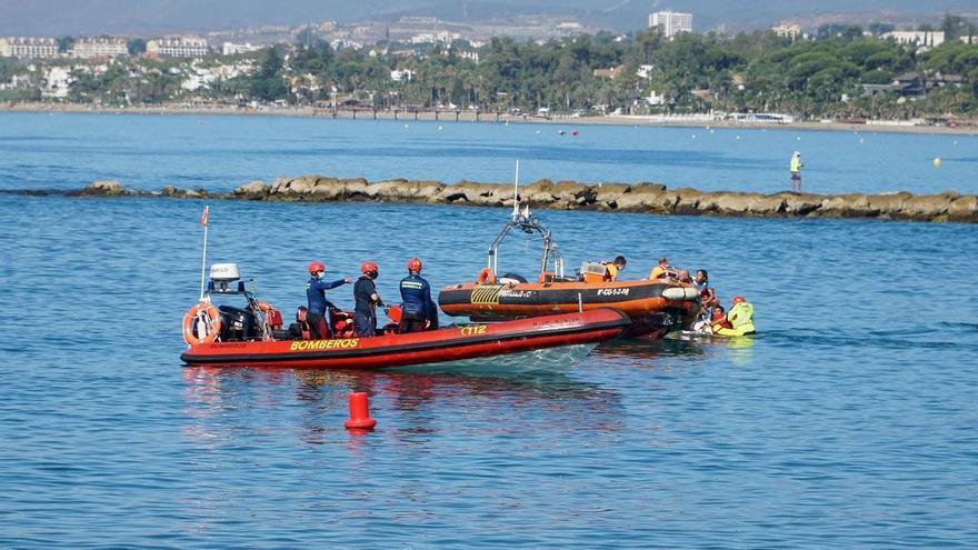 Unidades de emergencia realizan un simulacro marcado por el Covid-19 en Marbella
