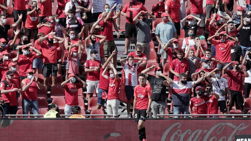 Cartulina morada | Al Bernabéu, con la cabeza alta