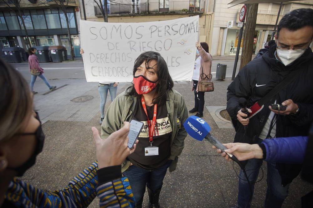 Concentració davant MC Mutual per reclamar que reconegui la Covid com a accident laboral