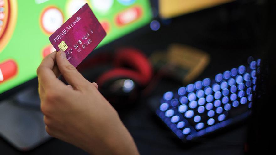 Addicció a les apostes en línia: una gàbia invisible que s'ha potenciat amb la pandèmia
