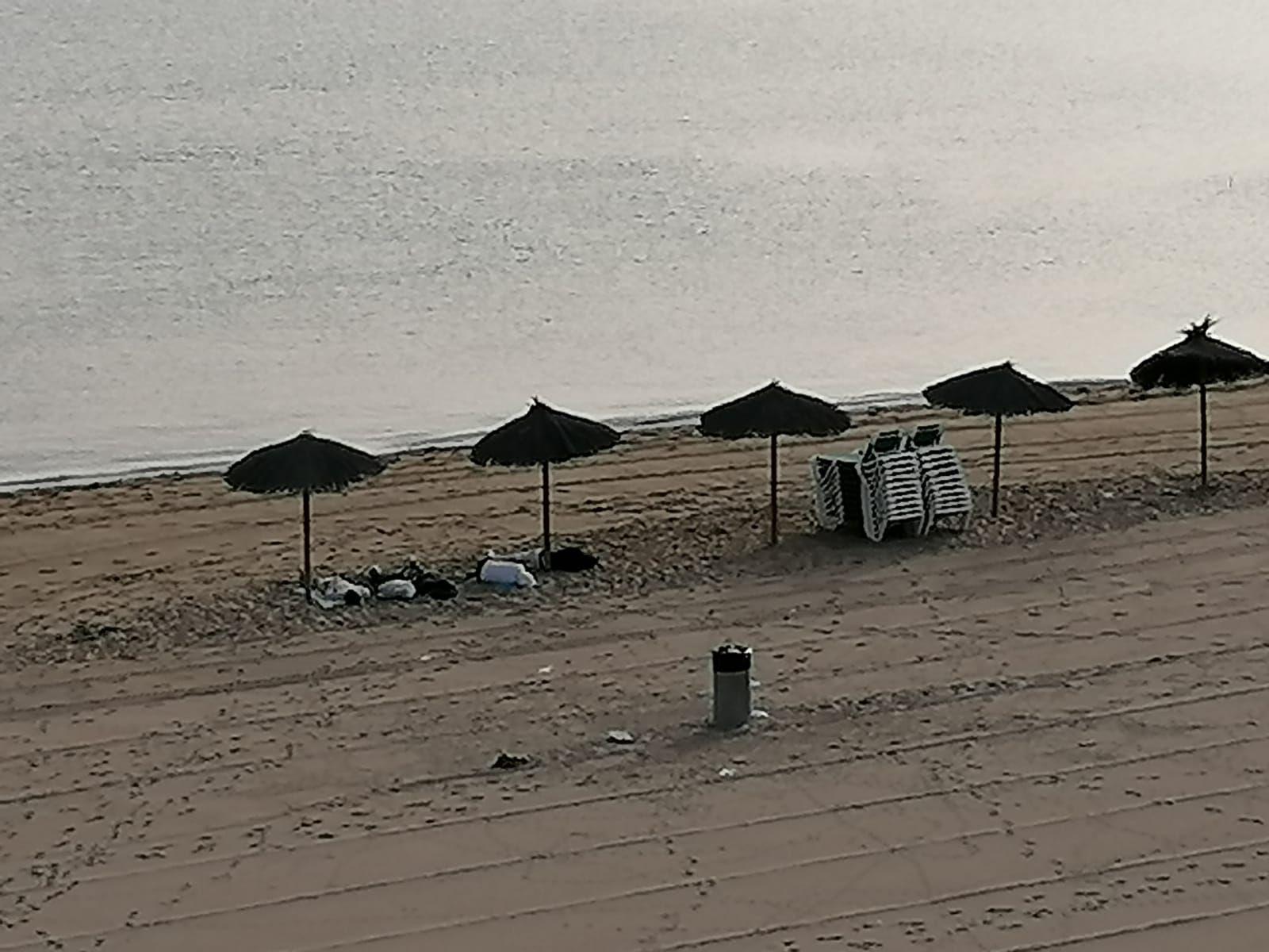 L'incivisme obliga a tancar les platges de l'Escala