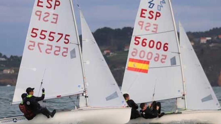 Barca y Peleteiro lideran la Regata Gadis tras la primera jornada