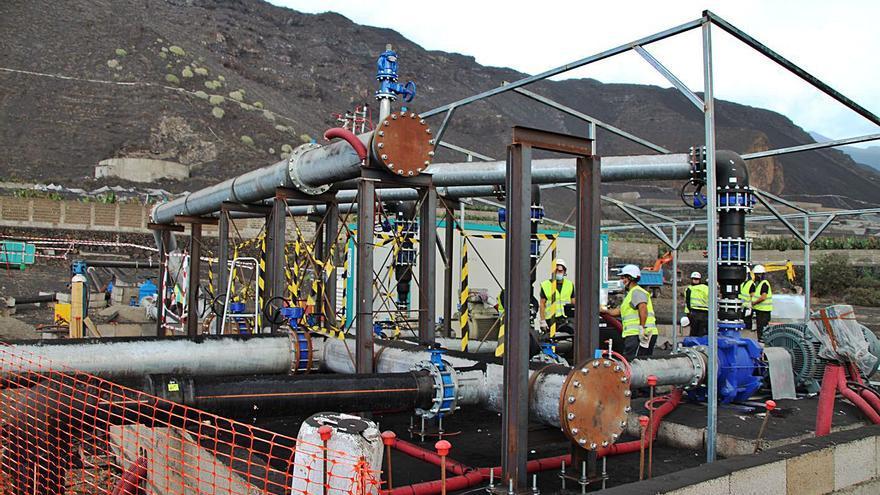 La segunda desaladora de Puerto Naos ya sirve agua a los agricultores afectados por el volcán de La Palma
